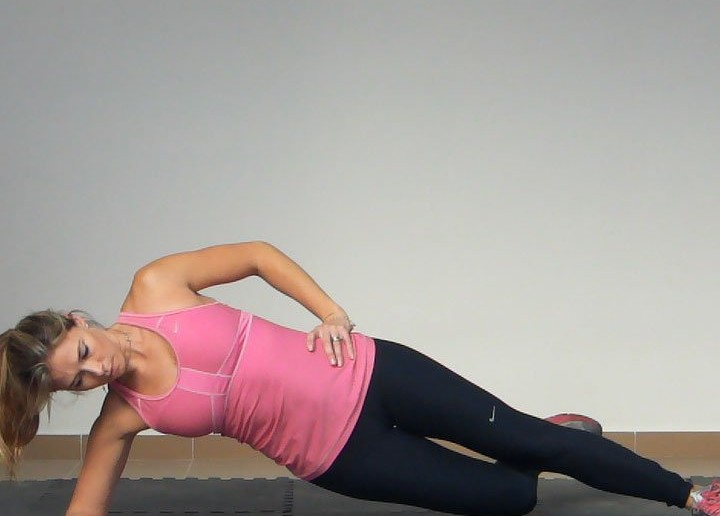 Side-Plank-with-Hip-Adduction-Exercise