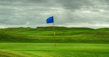 Playing Golf in the Wind – Golf Strategies for Lower Scores
