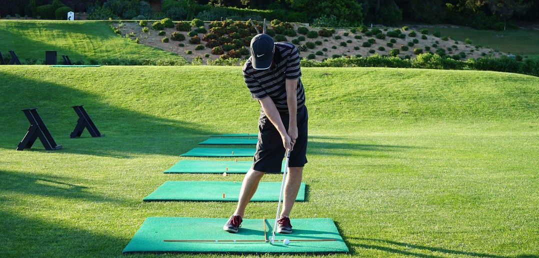 Golf Swing Drill: Develop Great Ball Striking Playing Off Mats