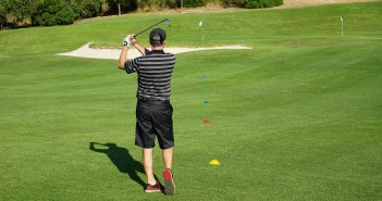 Golf Wedge Play Game: Making Birdies